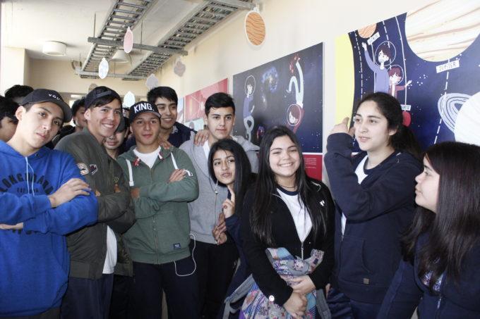 Escolares visitan #ExpoALMA en el CICAT en Concepción, Región del Biobio, Chile. Crédito: J. Valenzuela / Comunicaciones UDEC